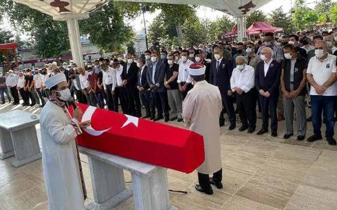 Hüseyin Avni Coş, Fatih Camii'nde son yolculuğuna uğurlandı