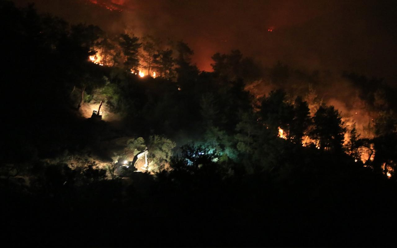 Bakan Pakdemirli Türkiye'de çıkan yangınlarla ilgili son durumu paylaştı