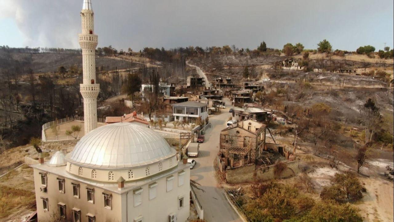Antalya'dan yürek yakan görüntüler! İşte yangında yok olan Kalemler Mahallesi