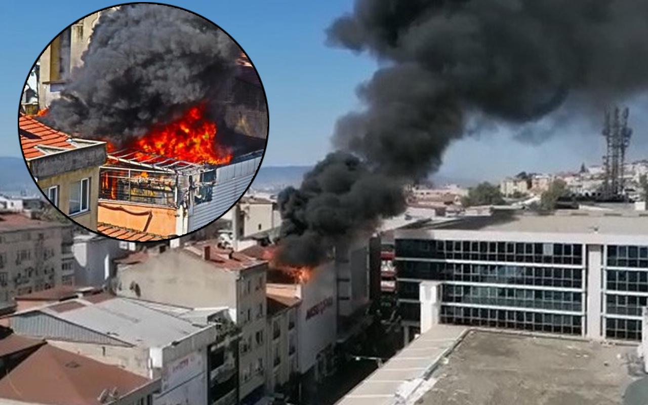 Kocaeli'de dumanlar gökyüzünü sardı! Alevler tüm binayı kapladı