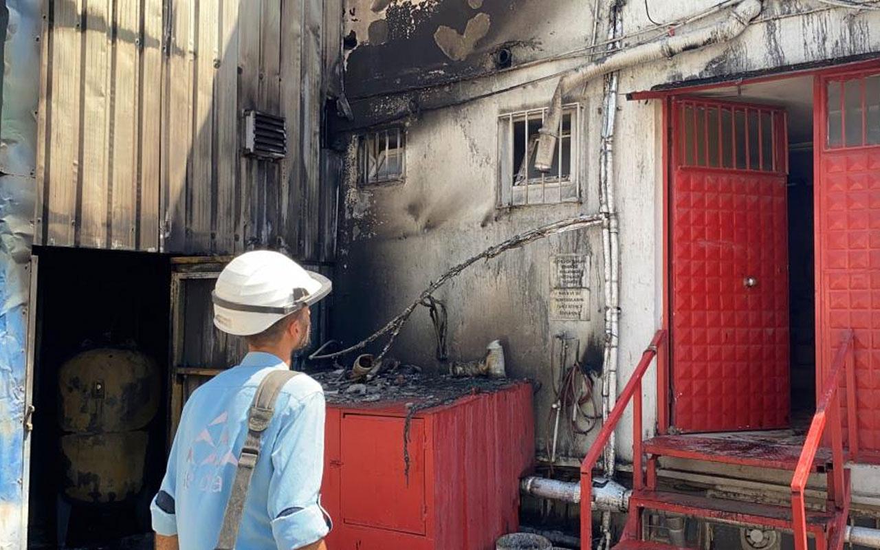 Gebze'de kimyasal maddelerin bulunduğu fabrika alevlere teslim oldu