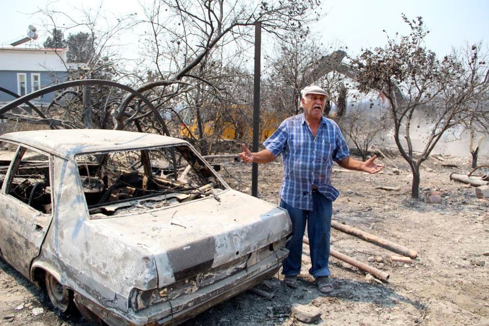 Manavgat'ta yangında 4 evi yandı 54 yıllık emeği 2 dakikada gitti