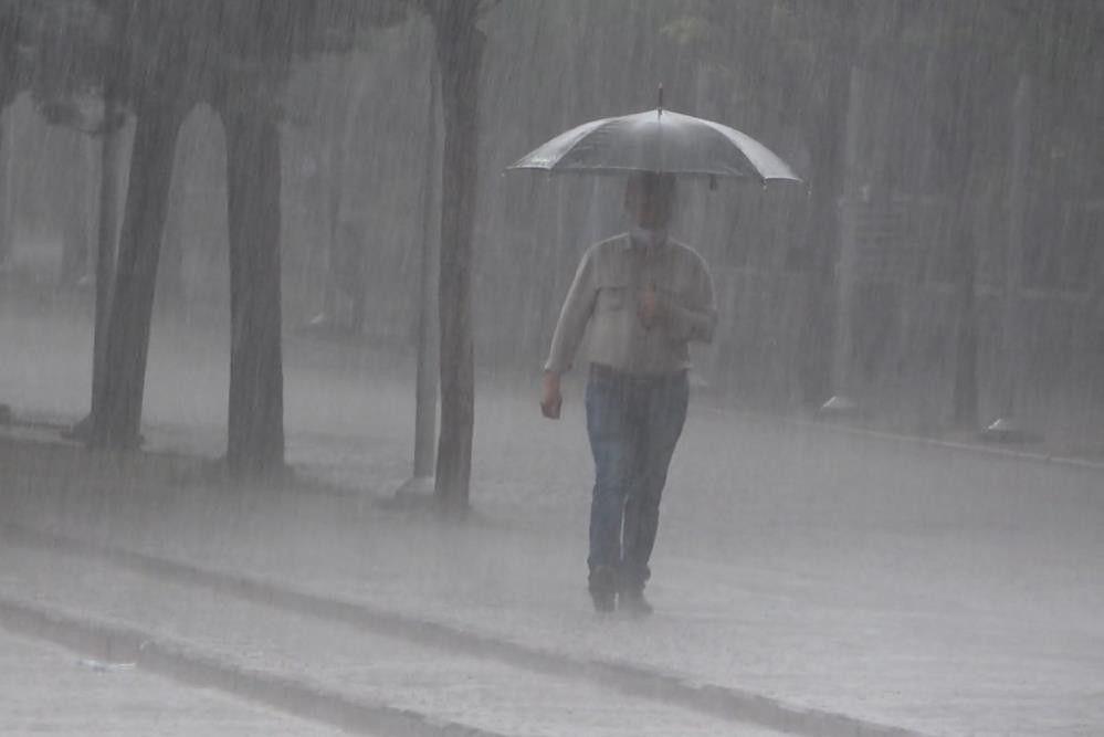 Meteoroloji Prof. Orhan Şen Akdeniz için bir ihtimal yağmur duyurusu yaptı