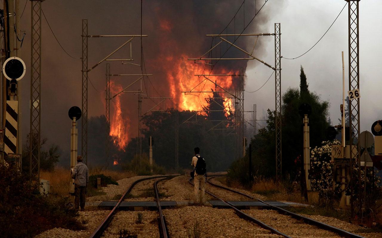 Yunanistan'da son 48 saat içinde 116 farklı noktada yangın çıktı! Yola trafiğe kapatıldı, seferler durduruldu