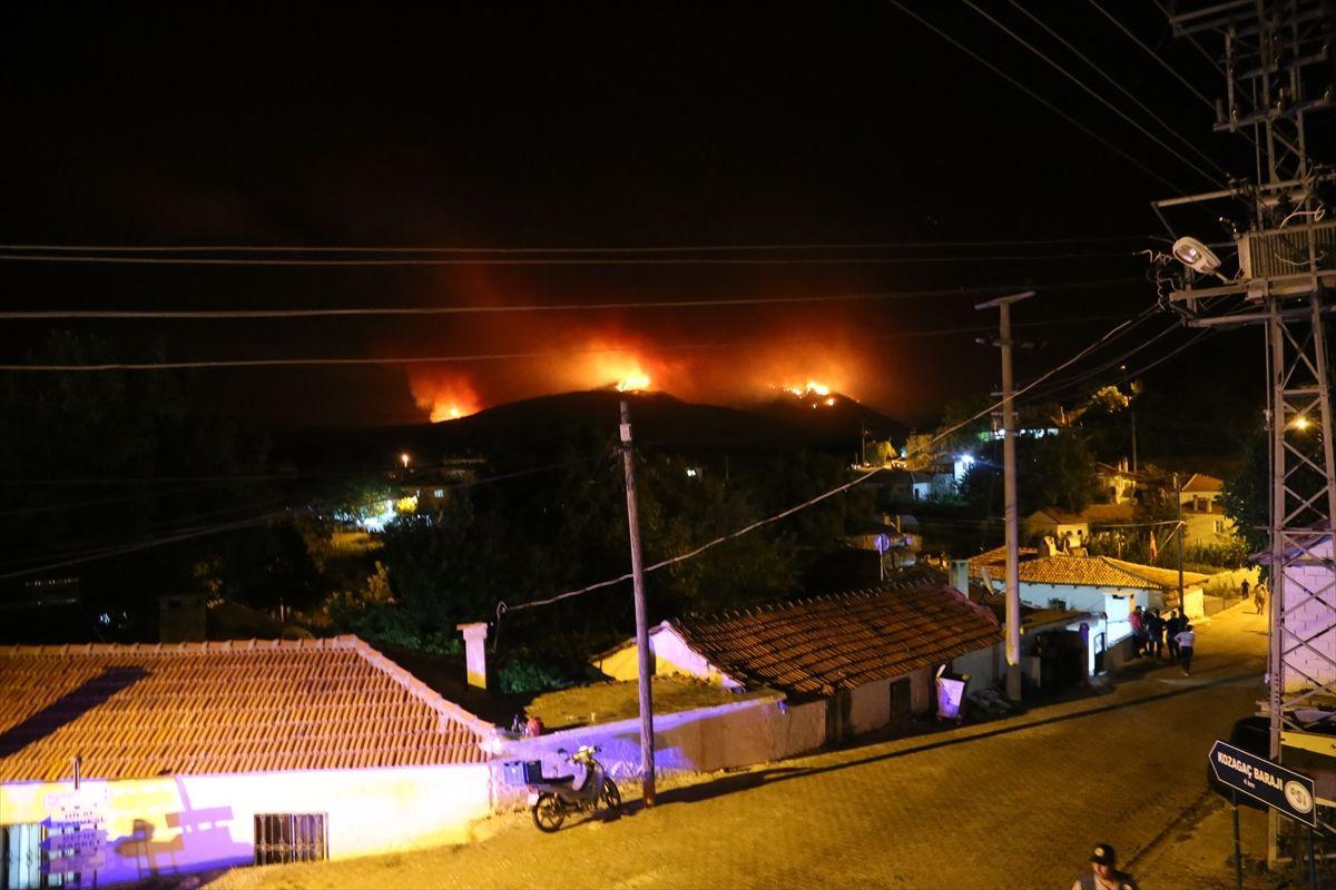 Muğla'nın Kavaklıdere ilçesindeki orman yangını Menteşe ilçesine ulaştı