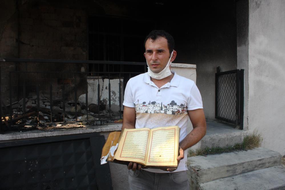 Manavgat'taki yangında tamamen küle dönen evde Kur'an-ı Kerimler zarar görmedi
