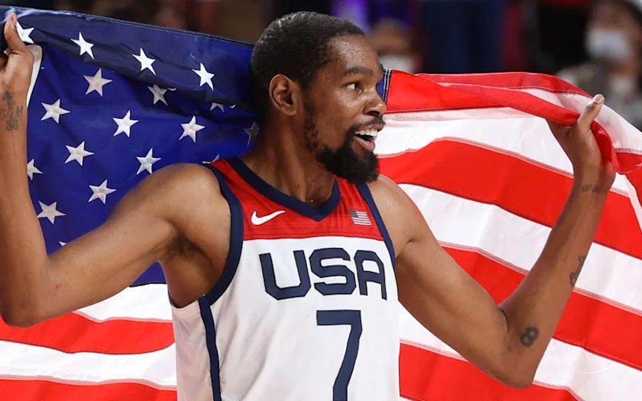 ABD Milli Takımı'nın yıldız basketbolcusu Kevin Durant, Tokyo 2020'de tarihe geçti