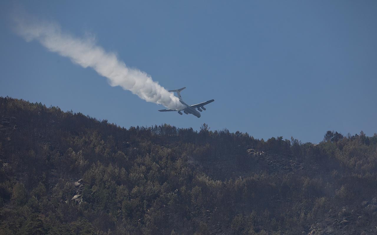 Muğla'da devam eden yangınlara müdahaleler sürüyor