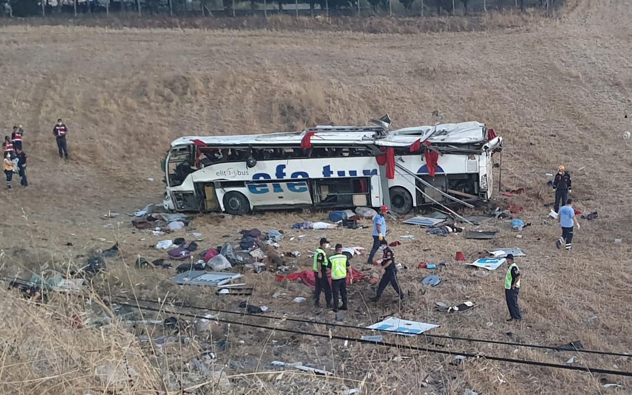 Balıkesir'de yolcu otobüsü devrildi! 15 kişi öldü 17 kişi yaralandı