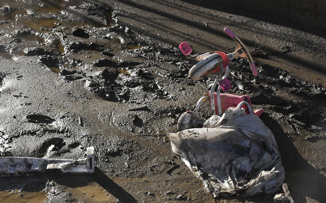 Selin vurduğu Bozkurt'tan hüzünlendiren görüntüler! Her şey sokaklara saçıldı