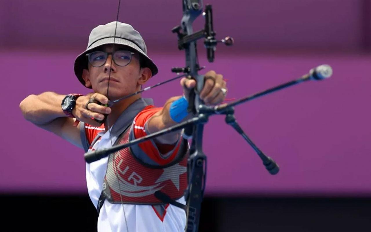 2020 Tokyo Olimpiyat Oyunları'nda klasik yay bireysel kategoride altın madalya kazanan Mete Gazoz