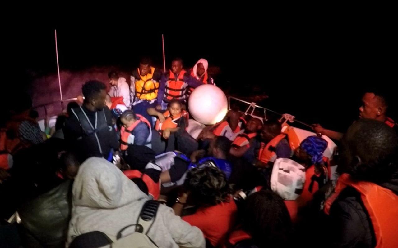 Muğla Bodrum açıklarında 44 düzensiz göçmen kurtarıldı