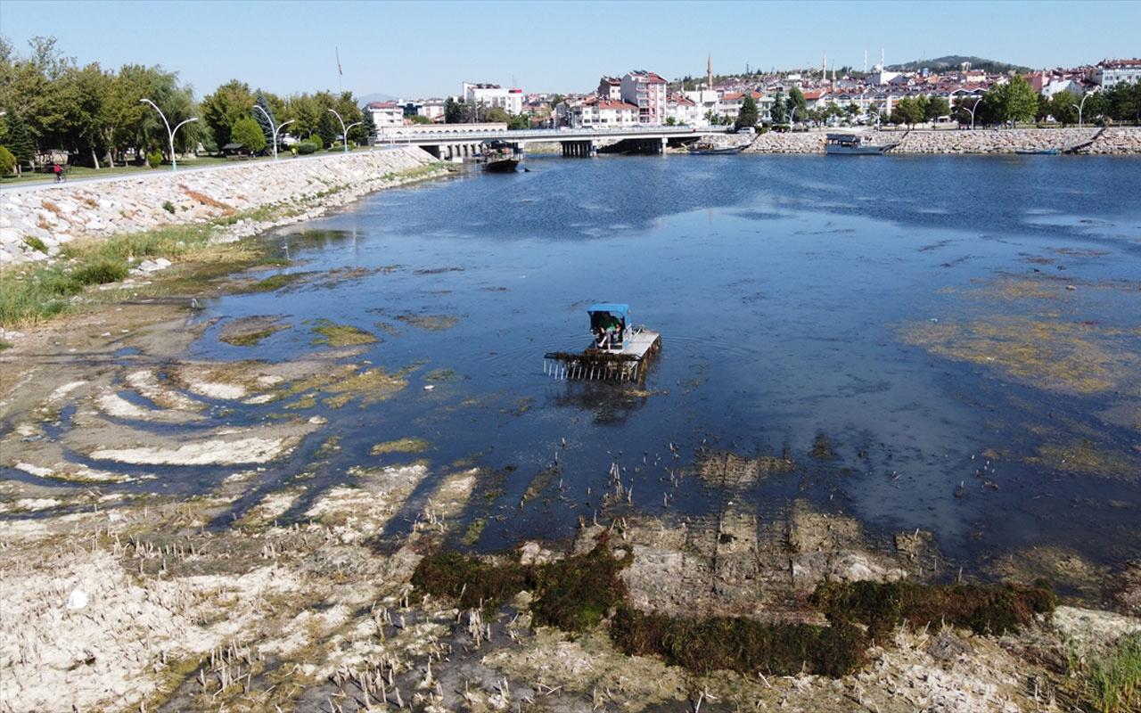 Kuraklık ve siyasi çekişme Beyşehir Gölü'nü kurutuyor! Sulama için en büyük göl yok ediliyor