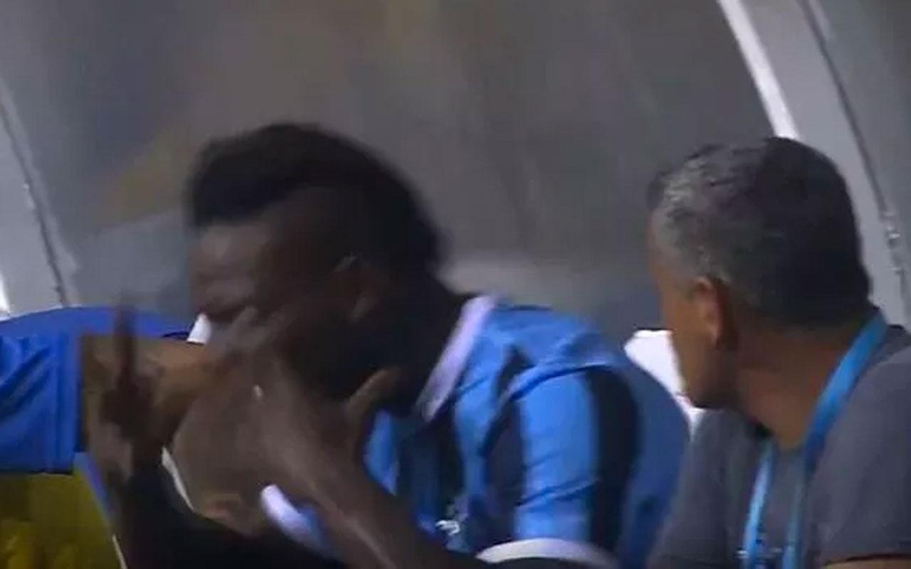 Balotelli oyundan çıktı kulübeyi yumrukladı