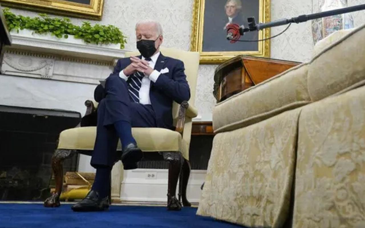 Joe Biden İsrail Başbakanı Bennett ile görüşmesinde uyuyakaldı