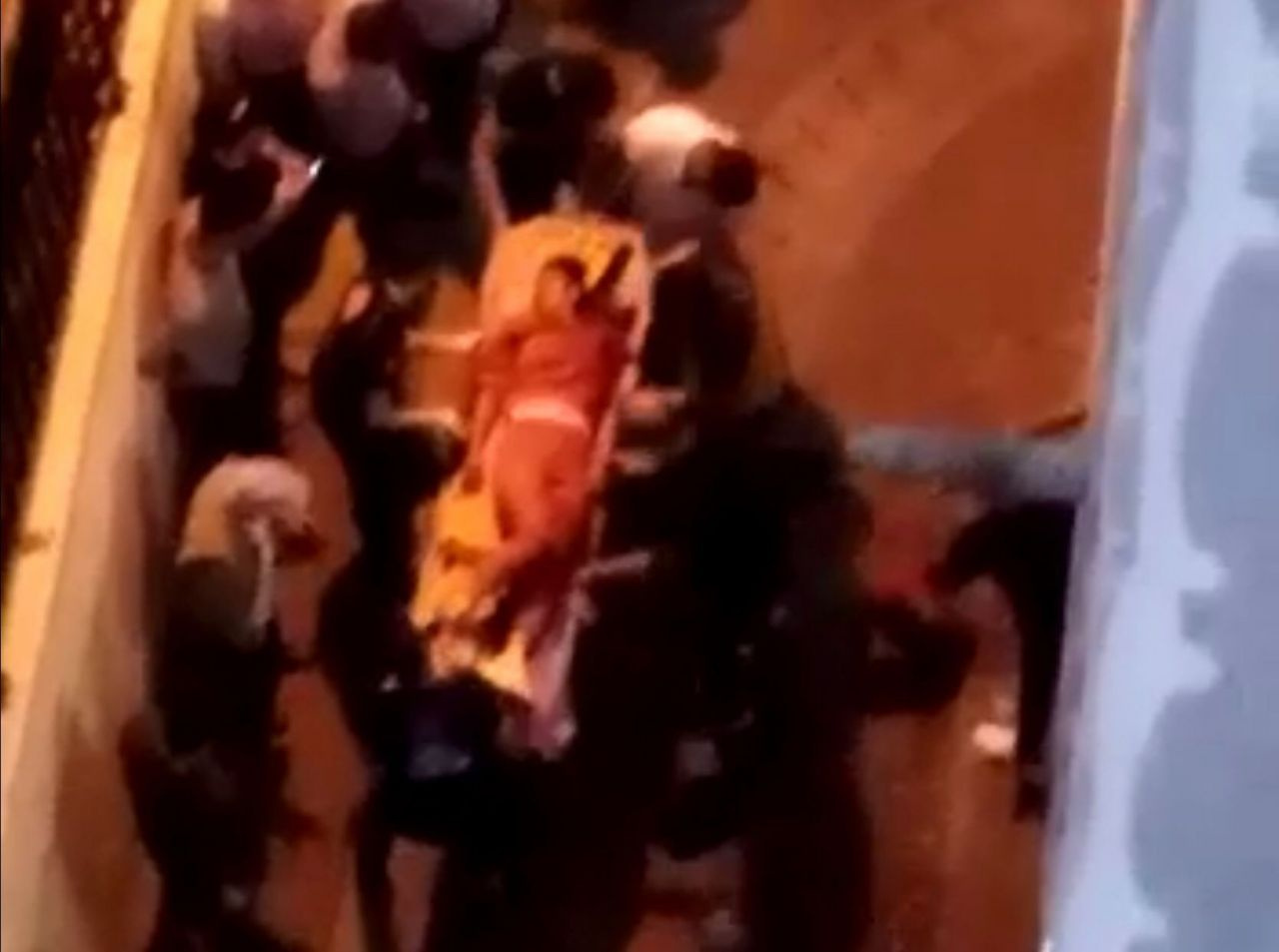 Zeytinburnu'nda vahşet! Eski kocası tarafından sokak ortasında öldürüldü