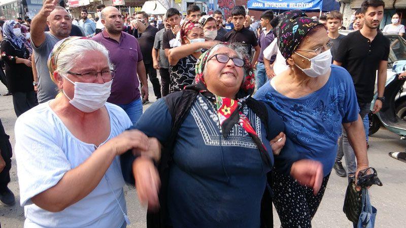 'Tostçu Mahmut' olarak bilinen sosyal medya fenomeni Anıl Kurt Adana'da gözyaşlarıyla uğurlandı