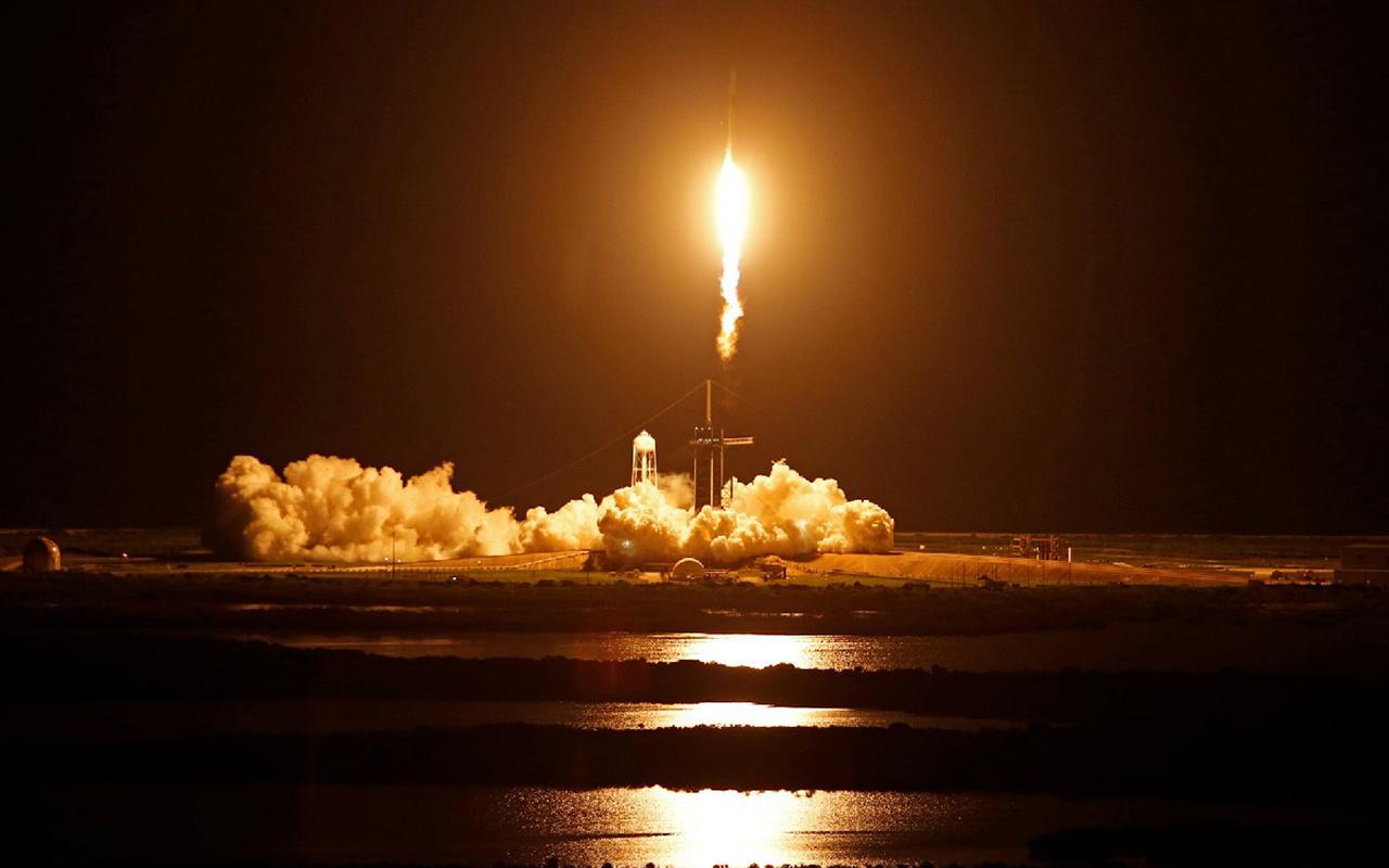 Spacex'in 4 yolculu astronotsuz uzay yolculuğu başladı