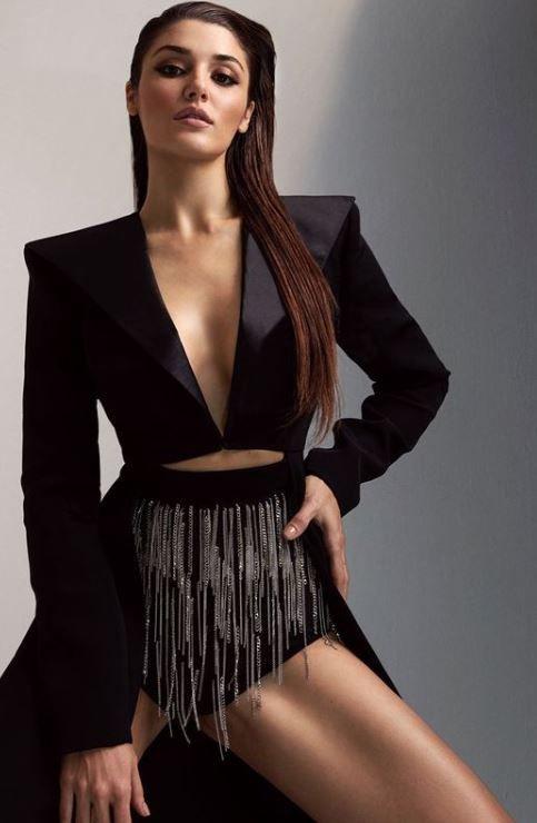 Hande Erçel 'Dünyanın en güzel kadını' seçildi Listede 5 Türk güzel daha var!