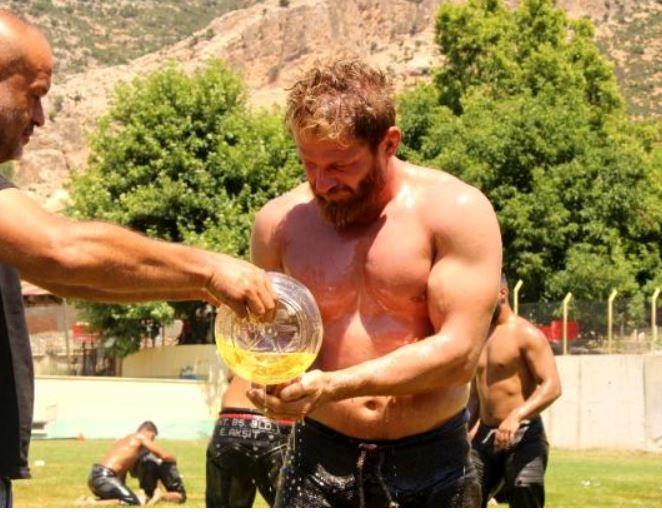 Survivor şampiyonu İsmail Balaban Ulugazi Yağlı Güreşlerinde kozlarını paylaşacak!