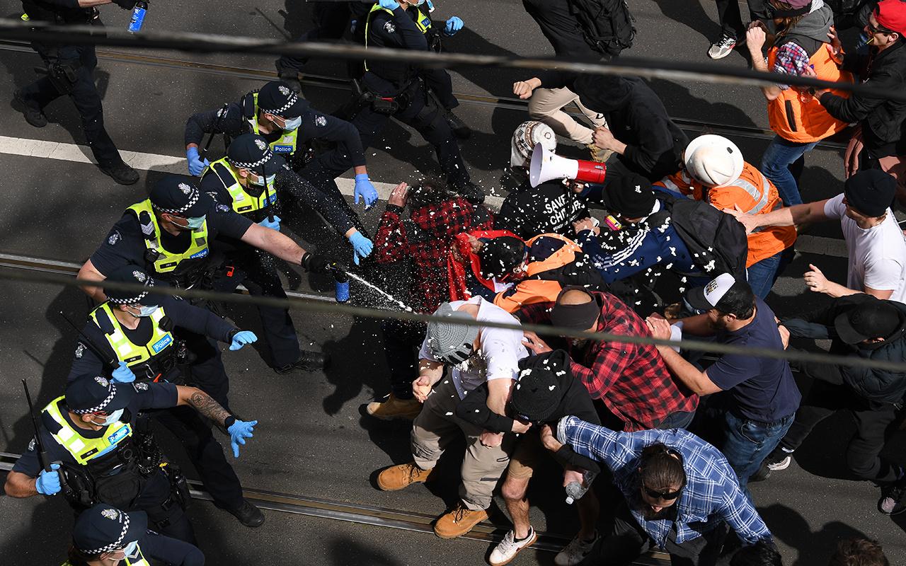 Avustralya'da karantina karşıtı gösterilerde yüzlerce kişi gözaltına alındı