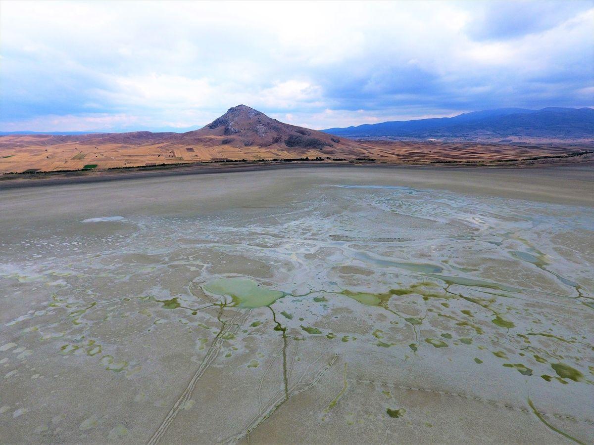Göller Yöresi yakında 'Çöller Yöresi' olacak! Karataş Gölü tamamen kurudu
