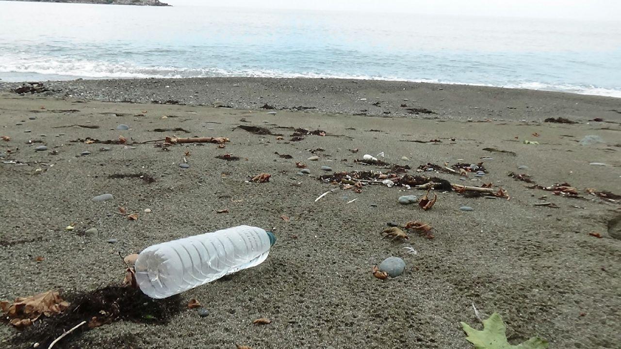 Karadeniz'de 500 metrekarede 2 bin 500 atık çıktı
