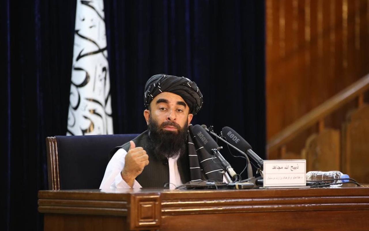 Twitter'dan Taliban'a şok! Sözcü Zabihullah Mücahid'in hesabını askıya aldı