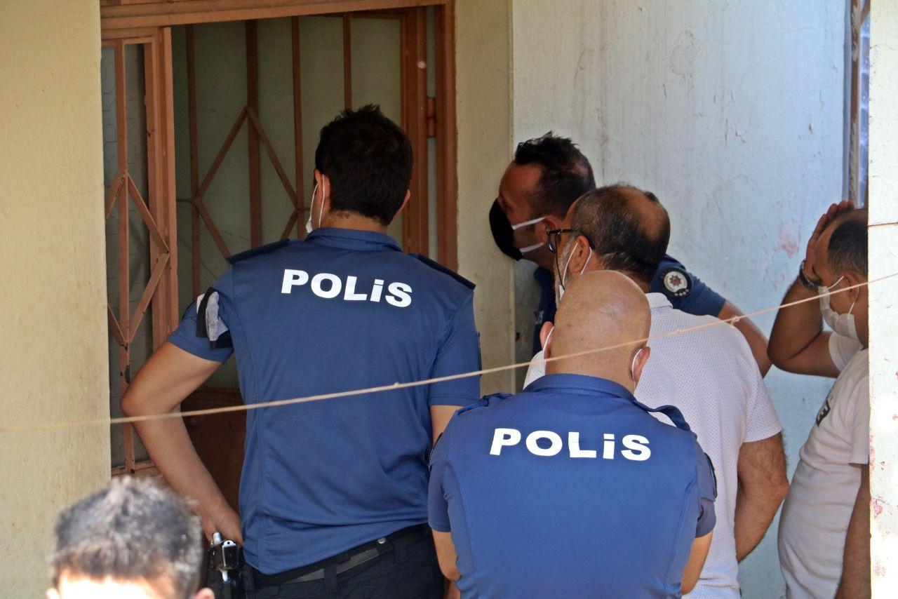 Antalya'da her şey çay içerken oldu sinir krizi geçirdi! Gözyaşları sel oldu: Ben anayım