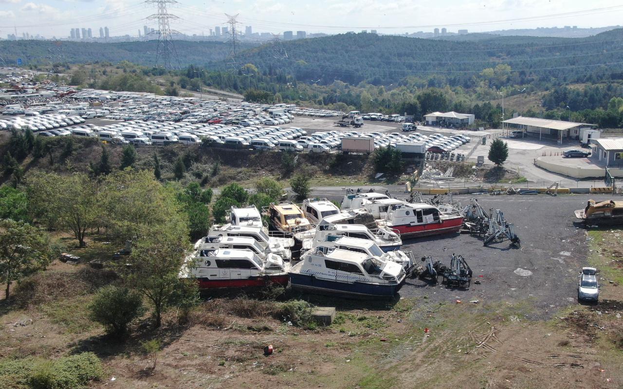 İstanbul'da çürümeye terk edildi parçalanmış haldeler! Mezarlığa döndü