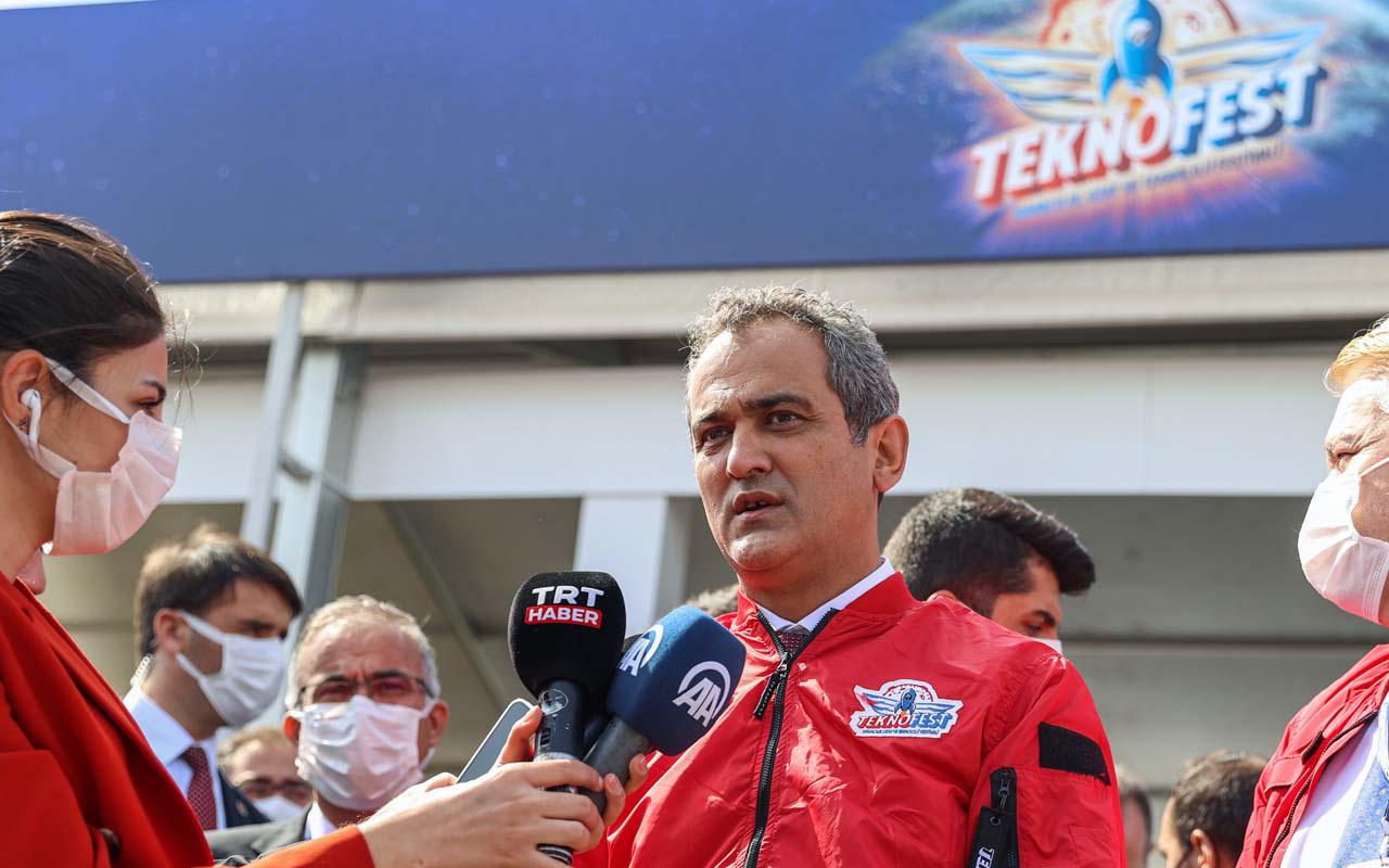 Milli Eğitim Bakanı Mahmut Özer TEKNOFEST'te: Çocuklar için bu atmosfer çok önemli