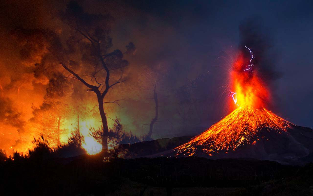 Orman yangınlarının ve depremlerin sebebi volkanik olabilir! Türkiye için yeni felaket volkan patlaması mı?