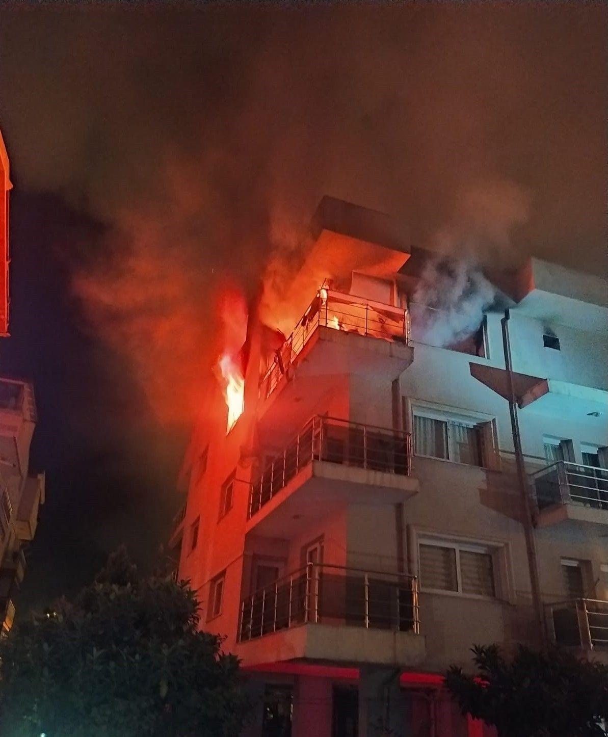 Aydın'da eşi ve çocukları içerdeyken evi ateşe verdi! Yanmaktan son anda kurtuldular
