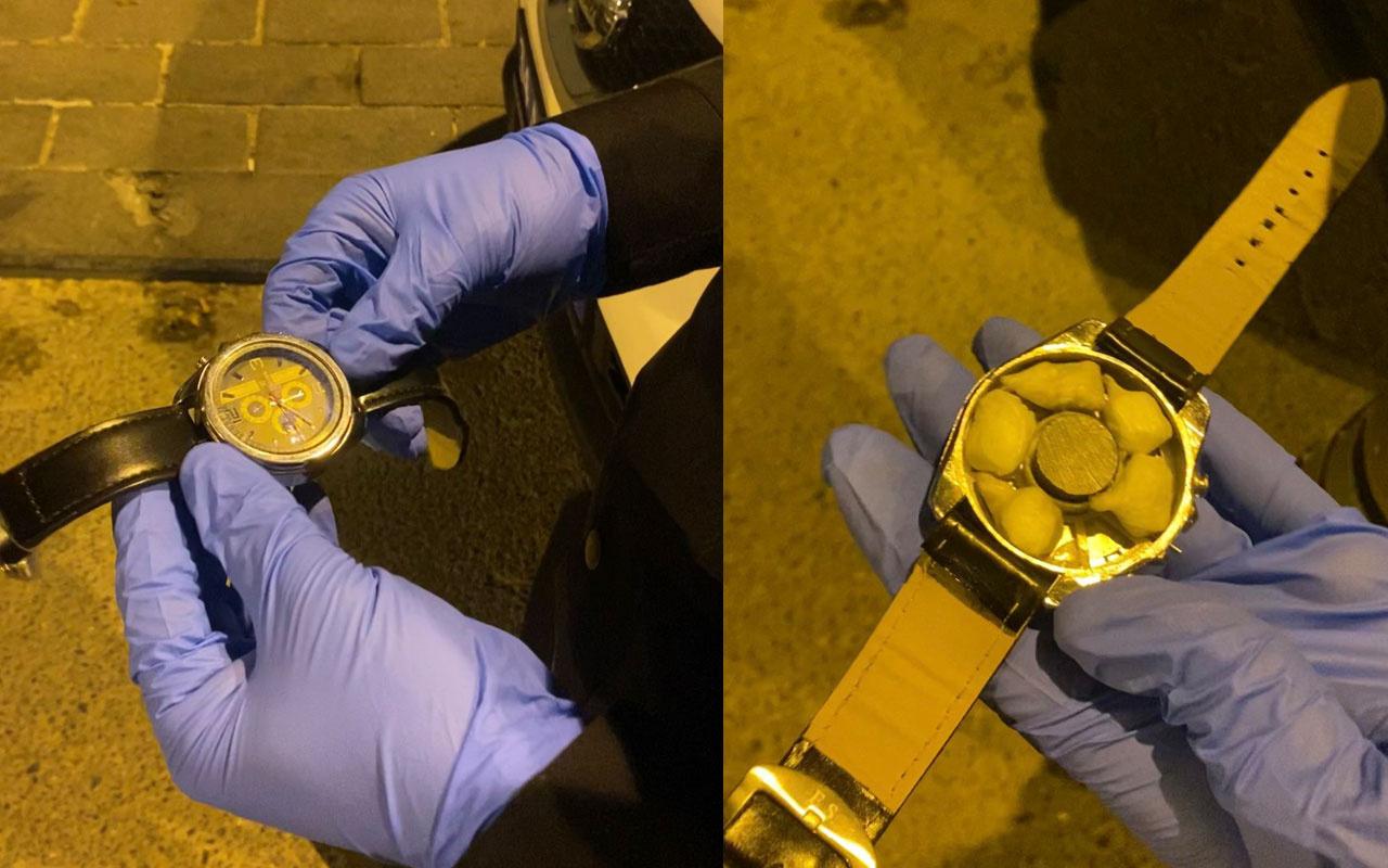 Şeytanın aklına gelmez! Beşiktaş'ta torbacılar kol saatinde kokain satmaya çalışırken yakalandı