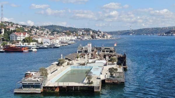 Eğlencenin merkeziydi! Şimdi İstanbul Boğazı'nın ortasında moloz yığınına döndü