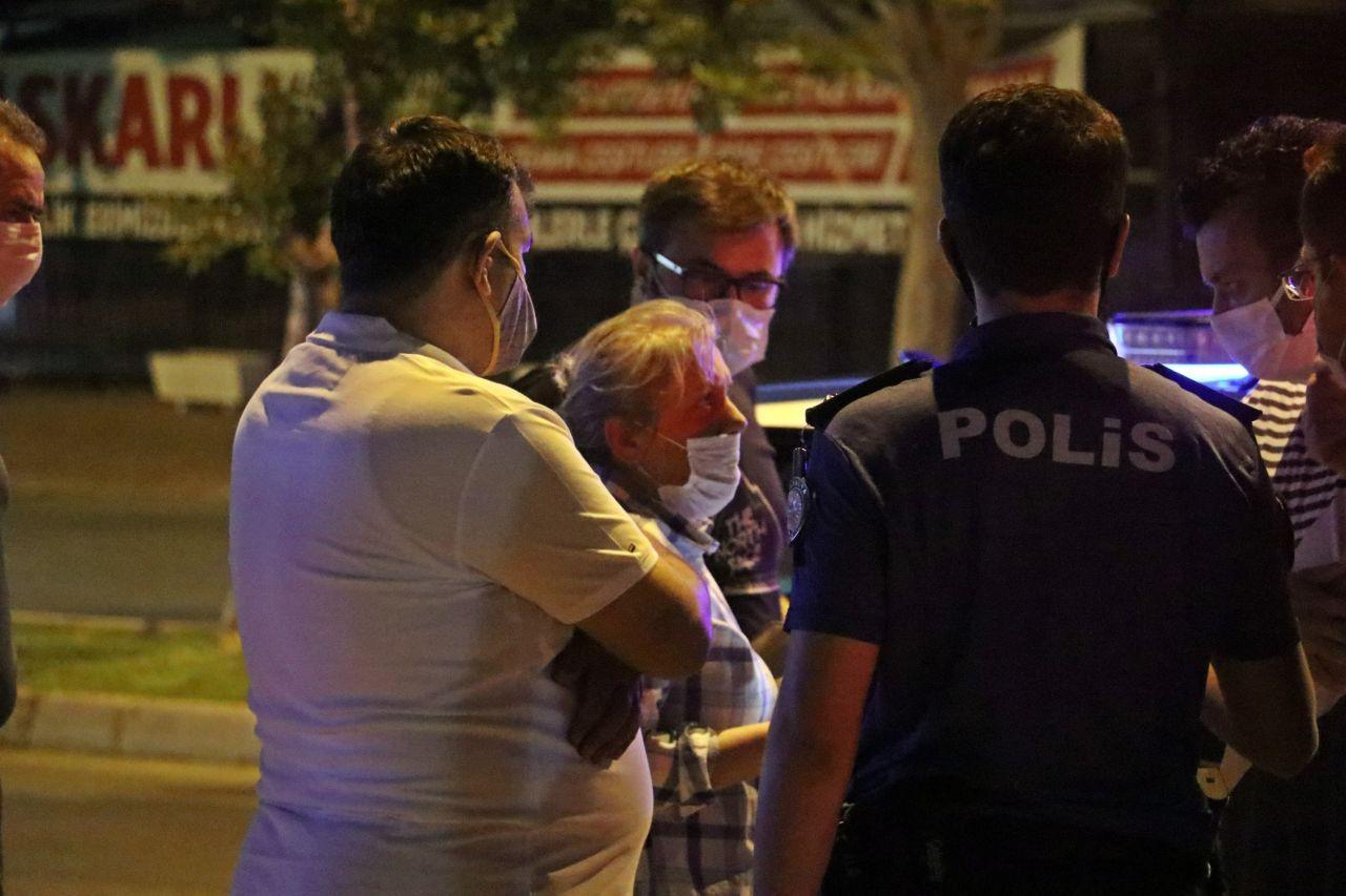 Antalya'da pes dedirten görüntü! Eğilerek baktı: Görebilmek için meraklılar adeta yarıştı
