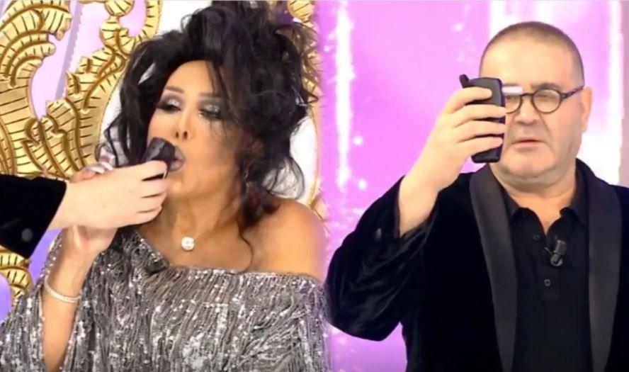 STAR TV Benzemez Kimse Size'de Şafak Sezer Bülent Ersoy'a alkolmetre üfletti