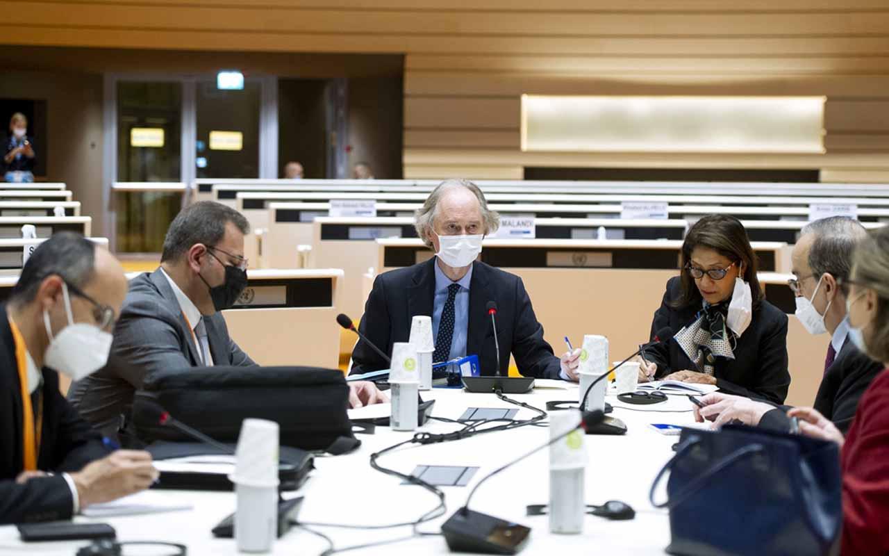 Esed rejimi ve muhalifler ilk kez aynı masada! Suriye'de anayasa görüşmeleri başladı