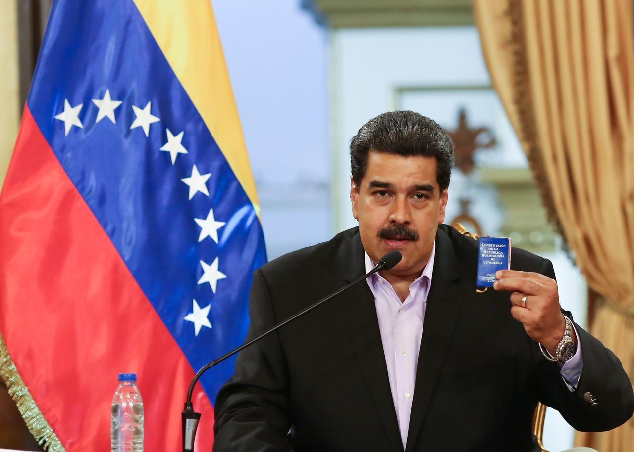 Maduro'dan Kolombiya sınırı için askeri emir!