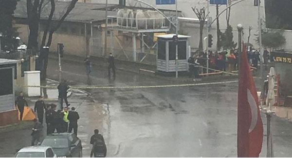 istanbul bayrampaşa polise silahlı saldırı, son dakika polise silahlı ve bombalı saldırı, çevvik kuvvet bombalı saldırı son dakika haberleri